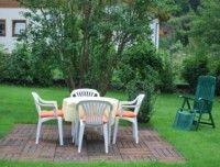 1_FeWo_011_Sitzplatz-Garten.jpg